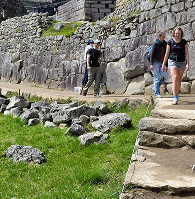 Cusco – Sacred Valley – Rainbow Mountain – Machu Picchu 6D/5N